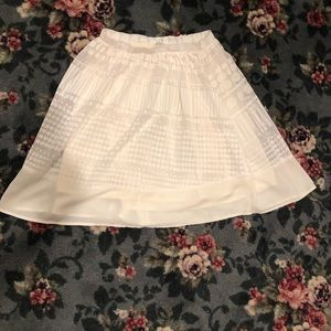 Dresses & Skirts - Adorable line skirt with dots size S